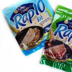 Quem aí quer saber se o Rap10 é uma opção saudável? Bom não posso considerar saudável um produto industrializado feito de farinha de trigo gordura vegetal sal e aditivos... Ou seja gordura  sódio  glúten. Mas ainda é uma opção menos ruim do que o pão branco por exemplo... Se for comer opte pela versão Fit (embalagem azul) pois é menos calórico (92kcal/unidade) tem menos gorduras (11g/unidade) e mais fibras (49g/unidade). Quer saber mais? Tem um post completo e com dicas para substituição lá…