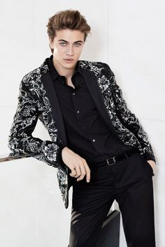 Lucky Blue Smith wearing Dolce and Gabbana for Grazia Italy Photographed by Julian Hargreaves Lucky Blue Smith, Boy Fashion, Runway Fashion, Fashion Design, Fashion Trends, Dolce & Gabbana, Skinny Guys, International Fashion, Boyfriends