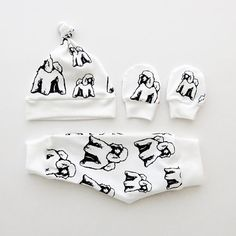 New Baby Gift For Poodle Lover, Organic Cotton Poodle Baby Clothes, Newborn Outfit Leggings Hat And Mittens, Gender Neutral Photo Prop Baby Baby Mittens, Baby Leggings, Organic Baby Clothes, Newborn Gifts, New Baby Gifts, Baby Wearing, Baby Hats, Baby Bodysuit, Poodle
