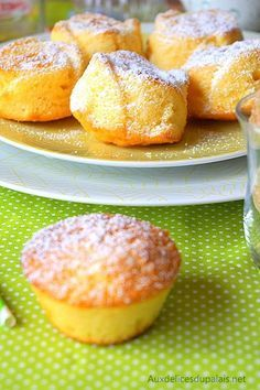 Easy lemon flavor · Delightful on the palate - cuisine - Desserts Desserts With Biscuits, Mini Desserts, Easy Desserts, Delicious Desserts, Cookie Recipes, Dessert Recipes, Cake Factory, Food Cakes, Mini Cakes