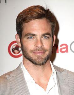 Oliver dejándose barba <3