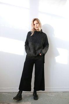 Fashion minimalist wardrobe clothes ideas for 2019 fashion outfit Look Fashion, Trendy Fashion, Winter Fashion, Fashion Outfits, Womens Fashion, Fashion Tips, Fashion Ideas, Street Fashion, Fashion Boots