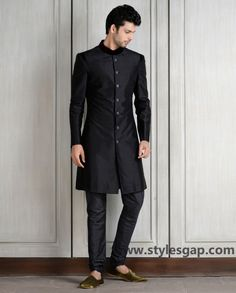 Manish Malhotra Latest Men Wedding Sherwanis Party Suits Collection consists of stylish formal dresses embroidered designs for groom & boys! Mens Indian Wear, Indian Groom Wear, Indian Men Fashion, Mens Fashion Suits, Groom Fashion, Wedding Men, Wedding Suits, Farm Wedding, Wedding Couples