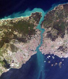 İstanbul, le Bosphore et la mer Noire vus de l'espace.