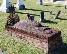 Unique Metal-Crowned Burial Site