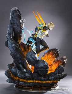 Tsume introduces its first Genos HQS by Tsume statue from the hit series One Punch Man. The statue puts forward his fighting abilities, showing him emerging from an incandescent crater, ready to deploy his power. Otaku Anime, Gamers Anime, Figure Model, Male Figure, One Punch Man, Dbz, Anime Figurines, Anime Toys, Anime Merchandise