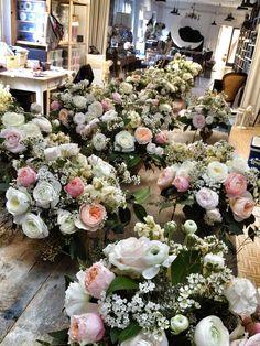 #backstage at Il Laboratorio de La Rosa Canina #weddingdecor #flowersdecor #weddingintuscany