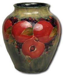 Moorcroft vase, Pomegranate pattern