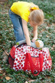 Make a laminate duffel bag