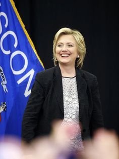 Hillary Clinton unveils plan to lower prescription drug costs #HillaryClinton, #Drugs, #Politics