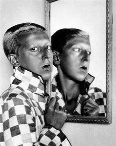 Claude Cahun, Autoportrait, vers 1929 © Collection Neuflize Vie, Photo Andre Morin