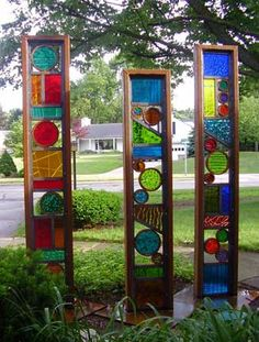 70 Ideas Yard Art Sculpture Stained Glass For 2019 Glass Garden Art, Mosaic Garden, Mosaic Art, Mosaic Glass, Fused Glass, Mosaics, Stained Glass Designs, Stained Glass Projects, Stained Glass Patterns