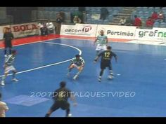 Falcao shows some skillz. Football Gif, My Life, Basketball Court, Wrestling, Sports, Lucha Libre, Hs Sports, Excercise, Sport