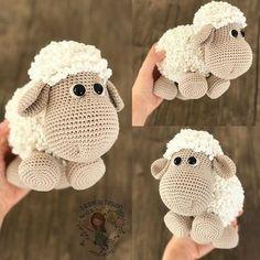 Şapşik kuzum gerçekten çok sevildi ☺️ Rekor beğeni aldi benim için Çok mutlu oldum şöyle farkli açılardan da resmini paylaşayım dedim .. .. .. .. .. .. .. .. .. #amigurumi #crochet #babygirl #babyboy #kuzu #sheep #siparis #amazing #gift #newborn #baby #handmade #dollmaker #crocheting #crochetdoll #crochetlove #ganxet #ganchillo #handstitched #häkeln #photo #foto #jj_forum