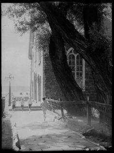Voici quelques photos réalisées par l'ingénieur Clifford M. Johnston (1897-1951) lors de séjours à Québecau cours des années 30. Ce photographe amateur a immortaliséPercé, Montebello, Rimou…