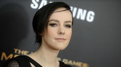 The Hunger Games star Jena Malone shared a special pic for her pregnancy announcement Jena Malone, Hunger Games, Free Desktop Wallpaper, Wallpaper Downloads, Pregnancy Advice, Female Fighter, Parenting Articles, Life Happens, Hollywood