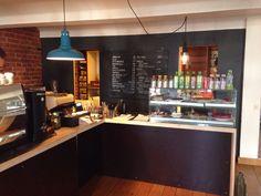 Café Kokko, Helsinki. Raakaruokaa, teehuone, kahvitaivas. Yksi suosikkejani Helsingissä! Helsinki, Liquor Cabinet, Bar, Storage, Table, Furniture, Home Decor, Purse Storage, Decoration Home