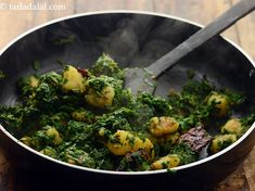 aloo palak recipe | Punjabi style aloo palak sabzi | aloo palak sukhi sabzi | Aloo Recipes, Spinach Recipes, Curry Recipes, Vegetarian Recipes, Subzi Recipe, Potato Spinach Curry, Protein Lunch, Punjabi Food