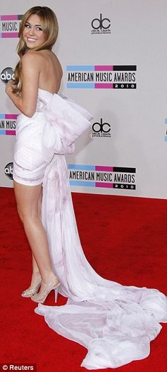 Miley Cyrus pink gown