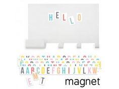 Magnetická tabule s věšákem a barevnými písmeny