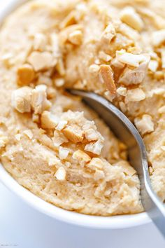 Peanut Butter Cheesecake Mousse - - This easy peanut butter cheesecake mousse recipe is a creamy, fluffy, no-bake treat that is low in carbs, keto-friendly and gluten-free. Peanut Butter Mouse, Peanut Butter Desserts, Peanut Butter Cheesecake, Easy No Bake Desserts, No Bake Treats, Keto Desserts, Cheesecake Mousse Recipe, Keto Cheesecake, Sweets Recipes