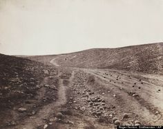 The Valley of the Shadow of Death / Roger Fenton
