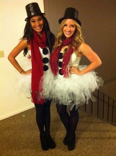 Cute group Halloween Costumes: snowmen