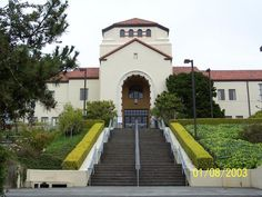 Which college is better, Humboldt State U, or U of Montana?