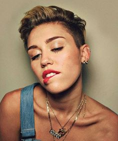 Miley Cyrus Crazy, Miley Cyrus Short Hair, Hannah Montana, Tennessee, Miley Cyrus Pictures, Beautiful People, Most Beautiful, Women In Music, Hair Tattoos
