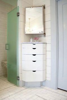 Эргономичные шкафчики для ванной.