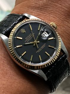 """watchesaddicthk: """"Rolex datejust """" Old beauties never dies Diesel Watches For Men, Rolex Watches For Men, Best Watches For Men, Casual Watches, Cool Watches, Vintage Rolex, Vintage Watches, Longines Watch Men, Relic Watches"""