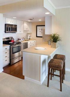 """Светлая и лаконичная  На этой кухне в приоритете светлые оттенки и глянцевые поверхности. Минимум декора и деревянные детали создают ощущение легкости: всё находится на своих местах и нет лишних акцентов. Лучшее место для семейных обедов и ужинов!  Позвоните дизайнеру """"Диаларт"""", расскажите какую кухню вы бы хотели. Рассчитаем стоимость, разработаем дизайн, изготовим, доставим и установим! Обращайтесь.  ☎+375 (29) 683 02 80 ☎+375 (29) 693 02 80 ✉Email: 2027000@mail.ru г. Минск, ул. Ленина…"""