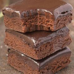 Healthy No Bake BREAKFAST Brownies- Loaded with chocolate and super fudgy, these wholesome brownies have NO butter, NO oil, NO grains and . Dessert Sans Gluten, Paleo Dessert, Healthy Desserts, Dessert Recipes, Paleo Brownies, No Bake Brownies, Vegan Brownie, Healthy Sweets, Healthy Baking