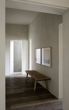 Raw plaster finish on the walls Simplicity — MEADOW at DUSK