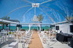 decoração com tenda transparente...praia *-*