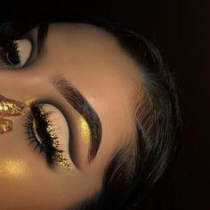 glam yellow cut crease eye makeup - Makeup Looks Yellow Makeup Eye Looks, Cute Makeup, Glam Makeup, Gorgeous Makeup, Pretty Makeup, Skin Makeup, Makeup Inspo, Eyeshadow Makeup, Makeup Inspiration