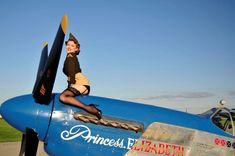 romain hugault pin up wings Pin Up Girl Vintage, Pin Up Models, Airplane Art, P51 Mustang, Pin Up Photography, Nose Art, Aviation Art, Military Aircraft, Ww2 Aircraft
