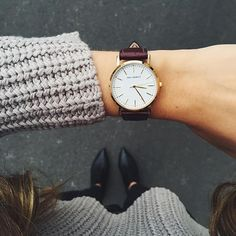 Do you have a collection of watches? Is it real? Is it genuine? Or is it a replica? Having a watch and wearing it around our wrist makes us time mindful. Acne Studios, Style Feminin, Jewelry Accessories, Fashion Accessories, Watch Accessories, Women Accessories, Cool Watches, Women's Watches, Trendy Watches