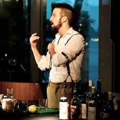 New York City bartender Sam Ross is known for perfecting the classics. Bring that taste home with his recipe for the scotch-based Penicillin cocktail. Ginger Syrup, Ginger And Honey, Fresh Ginger, Craft Cocktails, Fun Drinks, Bartender Uniform, Martini Bar, Scotch Whiskey, Wristlets
