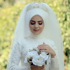 Muslim Girls, Muslim Women, Bridal Dresses, Bridesmaid Dresses, Simple Hijab, Hijab Style Dress, Wedding Hijab, Moda Emo, Piercings