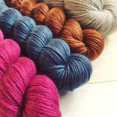 What can you design with a Yowza mini trio and a full sized skein from @missbabsyarns? There are so many possibilities!