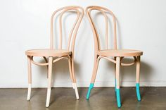 Din't mind a dipped bentwood chairs. Cheap Furniture, Dining Room Furniture, Custom Furniture, Furniture Making, Home Furniture, Room Chairs, Dipped Furniture, Painted Furniture, Chair Makeover