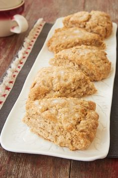 Cinnamon Oat Scones are a wonderfully delicious treat featuring simple flavors. Not too sweet and nicely soft, these scones are a great breakfast treat or afternoon snack. Oatmeal Scones, Breakfast Scones, Cinnamon Scones, Breakfast Bake, Pumpkin Scones, Baking Recipes, Dessert Recipes, Scone Recipes, Biscuits