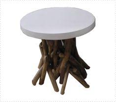 Mira esta mesa auxiliar de ramas entrelazadas para soportar su base de madera con 50cm de diámetro. Ideal!!!