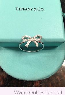Amazing silver bow ring More