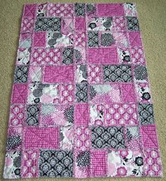 Rag quilt idea---love these colors!!!!  This is kind of a different pattern - and I like it!