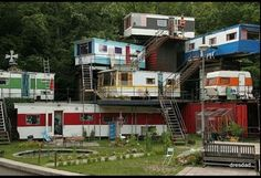 I've seen this a million times but it never gets old :D Redneck resort?