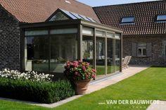 Realisatie door Van Der Bauwhede Waregem.  Ervaar buiten ook binnen met een Van Der Bauwhede veranda.  #veranda #vanderbauwhede #bauwhede