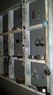 DIY Vintage Chic: DIY Jewelry Holder
