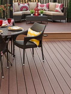 Brand new for 2016, TimberTech's Caribbean Redwood draws you in with its beautiful balance of rich red and warm brown enhanced with darker color variations.